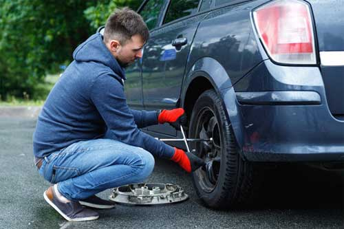 How do I know if my run-flat tire is punctured