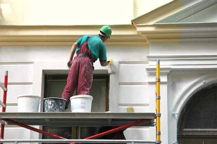 How to Paint a Two Story House Exterior